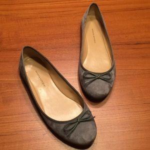 Banana Republic gray suede ballet flats sz 7 1/2